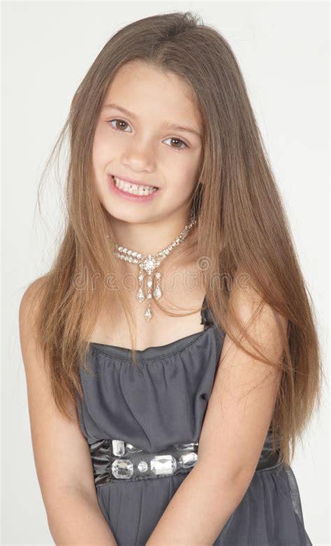 pre teen girl picture jpg 546x900